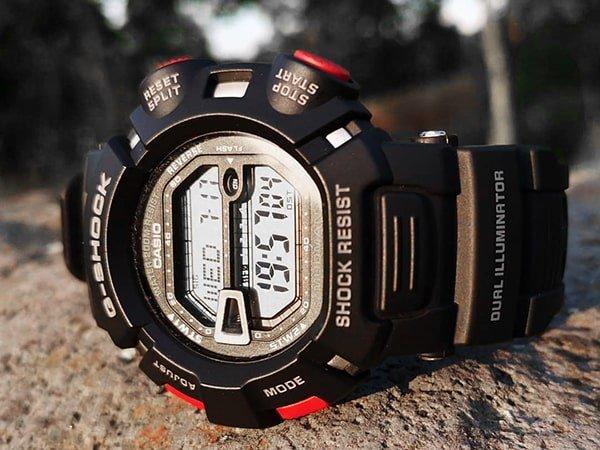 Zegarek do ekstremalnych sportów