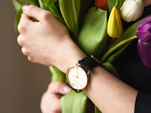 Zegarek Paul Hewitt na eleganckim czarnym pasku