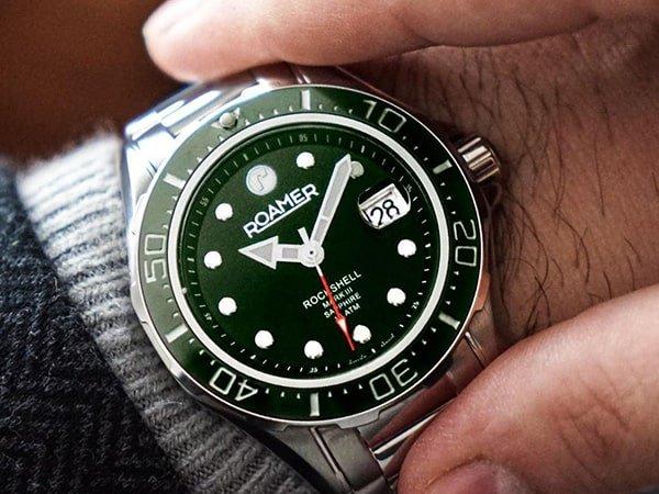 Zegarki Roamer męskie — idealne do pracy i na wieczorne spotkanie