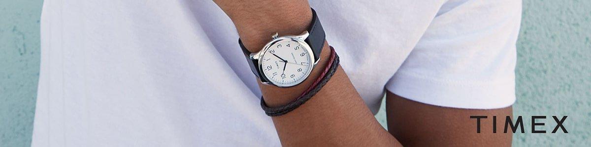 Zegarki Timex na pasku.