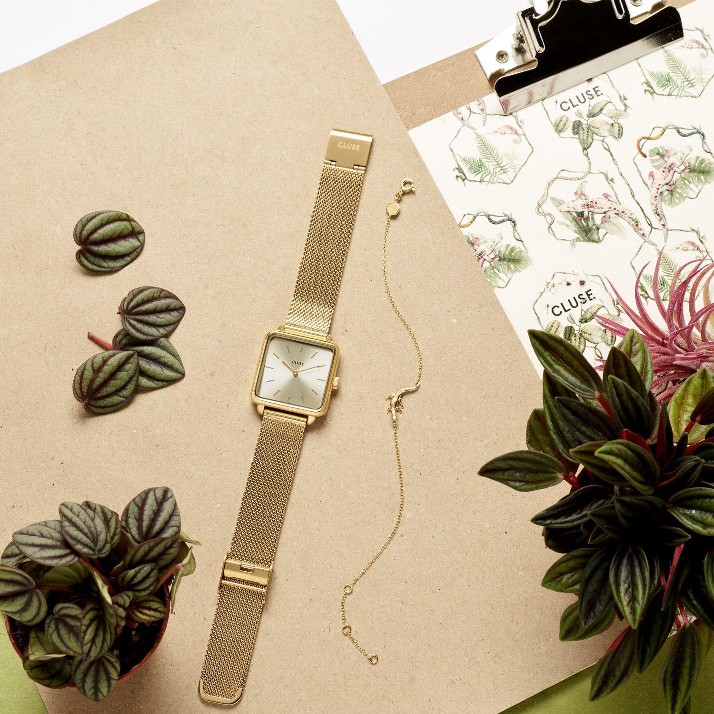 Elegancki, damski zegarek Cluse CL60015 Full Gold na bransolecie typu mesh w złotym kolorze z złotą kopertą i tarczą.